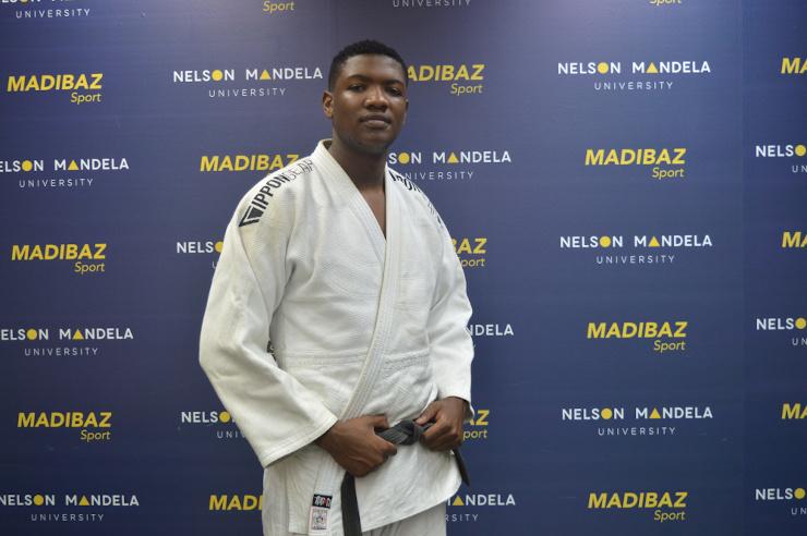Lwazi Mapitiza