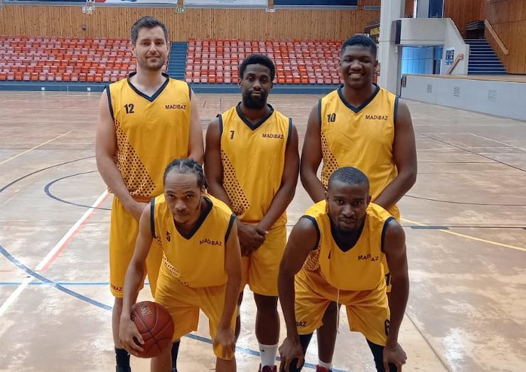 Madibaz Basketball mens team 740